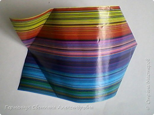 Представляю вашему вниманию  сувенирную объемную рыбку ( оригами) , которую можно использовать как упаковку небольшого подарка .(Увидела в Интернете) фото 12