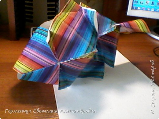 Представляю вашему вниманию  сувенирную объемную рыбку ( оригами) , которую можно использовать как упаковку небольшого подарка .(Увидела в Интернете) фото 22