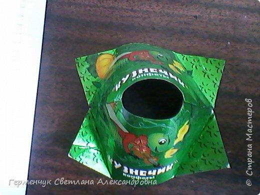 Представляю вашему вниманию  сувенирную объемную рыбку ( оригами) , которую можно использовать как упаковку небольшого подарка .(Увидела в Интернете) фото 3