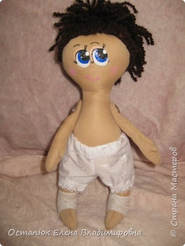 Добрый день, жители страны. Сегодня я с очередной куклой. Сделана она для хорошего человека - классного (от слова КЛАССНЫЙ) руководителя дочери. Учительница ушла в декретный отпуск. Чуть-чуть не успела доучить.  фото 3