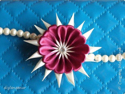 Делаем атласный цветок с двойными лепестками своими руками. Видео мастер-класс канзаши