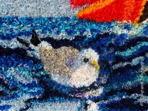 Ну вот, закончила ещё одну работу. После водопада интересно было сделать море. Тема конечно избитая, но работа авторская. Я посмотрела потом в интернете и нашла десяток вариантов, но уверена, что мой парусник всё же отличается. Люблю оживлять картины птицами, бабочками... фото 2