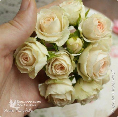 Нежный,воздушный букет из холодного фарфора в стиле шебби- шик. В составе композиции: английские розы,ранункулюсы,кустовые розы,гортензия. Диаметр- 18-19 см,высота- 16 см. Выполнен на заказ.  фото 10