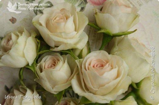 Нежный,воздушный букет из холодного фарфора в стиле шебби- шик. В составе композиции: английские розы,ранункулюсы,кустовые розы,гортензия. Диаметр- 18-19 см,высота- 16 см. Выполнен на заказ.  фото 9