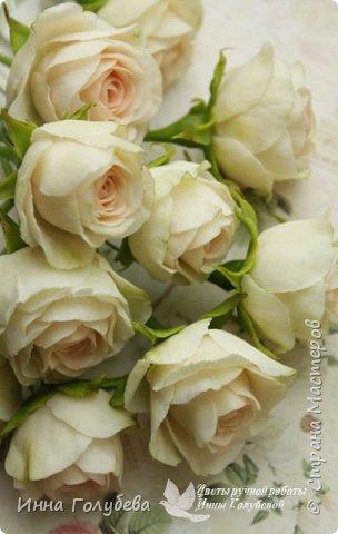 Нежный,воздушный букет из холодного фарфора в стиле шебби- шик. В составе композиции: английские розы,ранункулюсы,кустовые розы,гортензия. Диаметр- 18-19 см,высота- 16 см. Выполнен на заказ.  фото 11