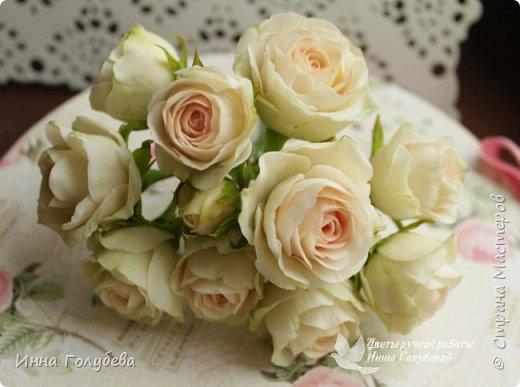 Нежный,воздушный букет из холодного фарфора в стиле шебби- шик. В составе композиции: английские розы,ранункулюсы,кустовые розы,гортензия. Диаметр- 18-19 см,высота- 16 см. Выполнен на заказ.  фото 8