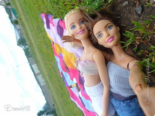 Привет, Страна! Сегодня я бы хотела показать вам свою первую работу. Но делала я её не одна, а с моей подружкой Волшебницей Нюшей. Можно сказать, это - наша первая совместная запись) Барби-блондинка - это Мэйбл, а её двоюродная сестра - Леся. Как вы поняли, Мэйбл - моя кукла, а Леся - моей подруги. фото 6