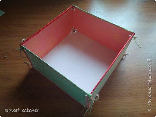 Разбираю завалы, остался материал, и,  чтобы не выкидывать, состряпала вот такую коробочку. Делается очень просто, материалы тоже очень просты :)  фото 11
