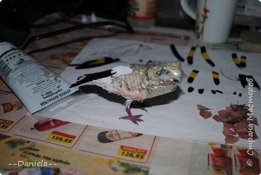 Сестренка попросила ей тоже птичку сделать. Ну что ж, почему бы и нет?) Поискали-поискали, нашли черноголового щегла... Ну и вот, сделала:) фото 16
