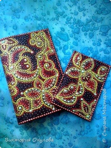 Обложки для паспорта (Натуральная кожа,точечная роспись акриловыми контурами,глянцевый лак для кожи) фото 2