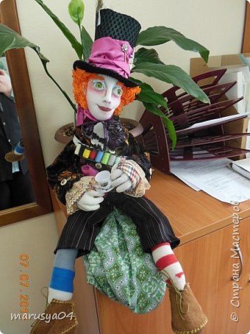 Ну вот - своя интерпретация Шляпника из Алисы в стране чудес. Не Джонни Деп конечно... но попыталась как могла... фото 2