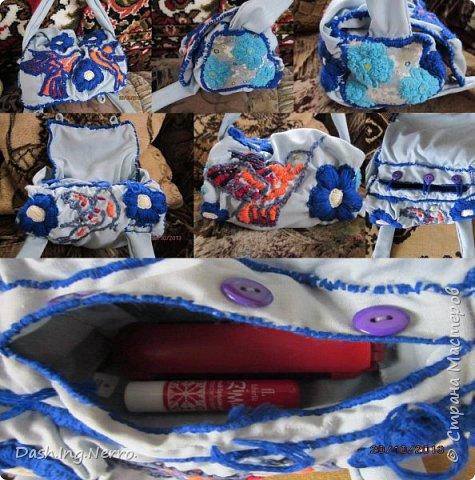 """Флисовая шкатулка """"Гриб"""". Ручная работа. Сделана из картона и обклеена флисовой тканью. На фотографии показано как она выглядит с открытой и закрытой крышкой. Внутри этой шкатулки хранятся золотые и серебряные украшения. Идеальный подарок для любимой девушки. Гипсовая фигурка зелёной феи украшена поясом, ожерельем и браслетами из розового бисера. Под фигуркой феи и шкатулкой постелена вязаная зеленая салфетка. Фотография - натюрморт: как будто Зеленая Фея достает из шкатулки в виде гриба все свои украшения и примеряет их на себя. Материалы для шкатулки """"Гриб"""": заготовки из картона, флисовая ткань, клей, нить и игла. Собирала шкатулку строго по инструкции, чтобы она была такая же, как на коробке, в которой её купили. фото 6"""