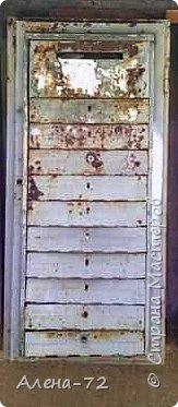 И снова здравствуйте. Во дворе меняли старые почтовые ящики на новые. Не могла выбросить такой раритет. Решила обыграть и украсить свой палисадник. Вот так он выглядел... фото 1