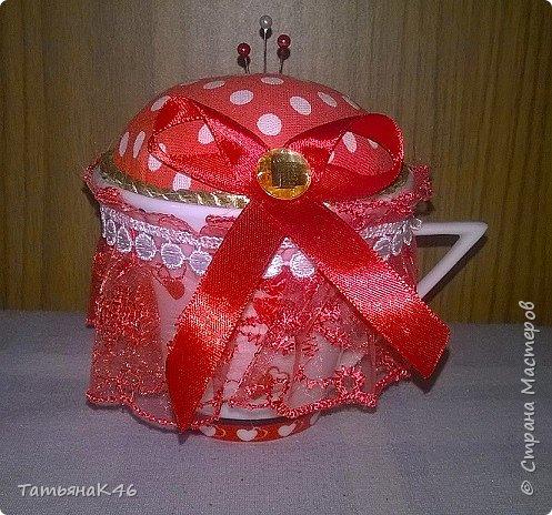 Добрый день! Такие вот игольницы сделала в подарок к 8 марта. Использовала баночки из-под крема и чашки. фото 6