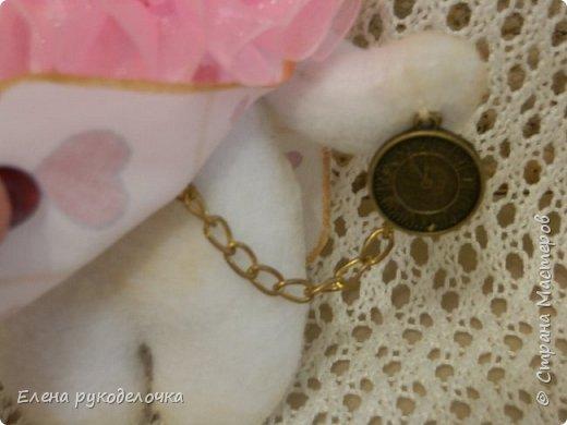 """Доброго времени суток всем, кто заглянул ко мне в гости!!! Сегодня я хочу показать ещё одного ушастика.... На этот раз я решила создать образ белого кролика из """"Алисы в стране чудес"""". фото 5"""