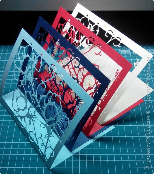 """Всем добрый день! Вашему вниманию новая открытка. Рисунок для эскиза был взят на просторах интернета.  - Эскиз был выполнен, изменён и доработан под """"вырезалку"""". (Открытки выполнены в четырёх вариантах цвета картона: черный, красный, бежевый и светло голубой) - Размер 12х16см.  фото 5"""