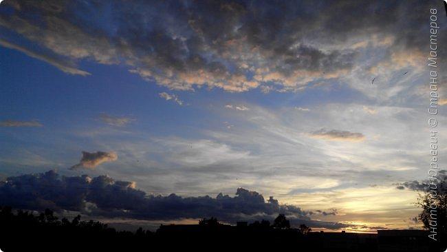 Всем добрый день! Вашему вниманию небольшой фоторепортаж о Подмосковных вечерах. Все фото выполнены из одной точки наблюдения (своего балкона). - Фото сделаны на обычном смартфоне) фото 5