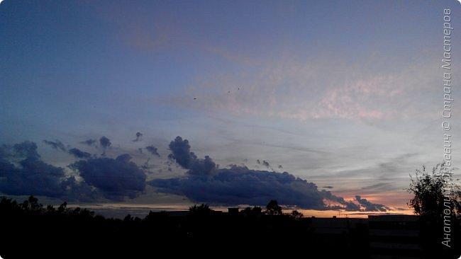 Всем добрый день! Вашему вниманию небольшой фоторепортаж о Подмосковных вечерах. Все фото выполнены из одной точки наблюдения (своего балкона). - Фото сделаны на обычном смартфоне) фото 6