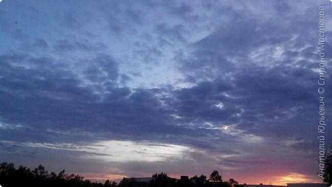 Всем добрый день! Вашему вниманию небольшой фоторепортаж о Подмосковных вечерах. Все фото выполнены из одной точки наблюдения (своего балкона). - Фото сделаны на обычном смартфоне) фото 7