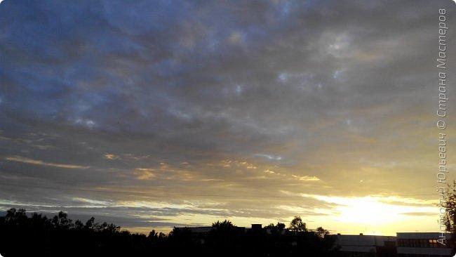 Всем добрый день! Вашему вниманию небольшой фоторепортаж о Подмосковных вечерах. Все фото выполнены из одной точки наблюдения (своего балкона). - Фото сделаны на обычном смартфоне) фото 8