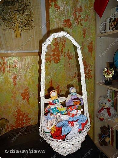Корзинку  с цветами сплела и подарила мне на день рожденье Яна Ахмадова. фото 1