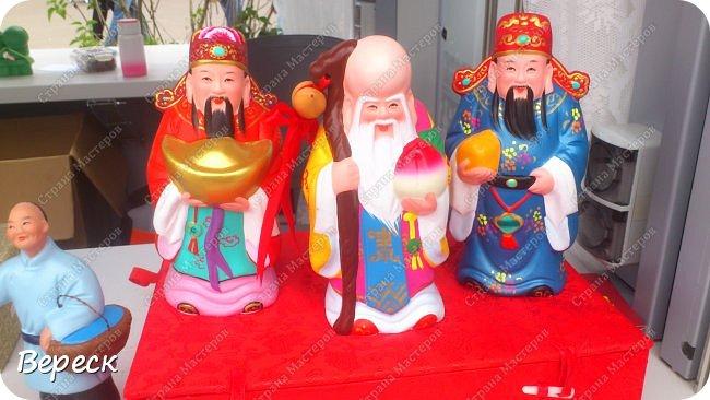 В Москве завершился фестиваль .Который проходил с 15 по 18 июля 2017 года. Ярмарка в храме – традиционный вид китайских праздничных мероприятий, зародившийся в процессе историко-культурного развития страны и являющийся одним из символов культуры, насчитывающий 2600 лет – наиболее раннее упоминание в письменных источниках датируется временами династии Чжоу. фото 13