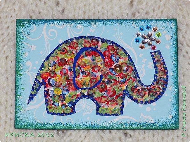 Привет всем гостям моей странички!!! Благодаря Элайдже http://stranamasterov.ru/user/399311 появилась наша первая с моей доченькой серия АТС. Эл!!! Спасибо за вдохновение!!! Мы с Людочкой слоников рисовали вместе, оформлением в основном занималась я. фото 10