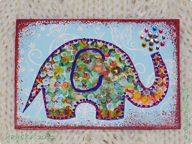 Привет всем гостям моей странички!!! Благодаря Элайдже http://stranamasterov.ru/user/399311 появилась наша первая с моей доченькой серия АТС. Эл!!! Спасибо за вдохновение!!! Мы с Людочкой слоников рисовали вместе, оформлением в основном занималась я. фото 11