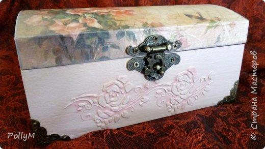 Завершая свою зимне-весеннюю сессию, представляю вам Розовую шкатулку. Ее я сделала в подарок своей классной руководительнице.  фото 1