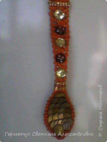 Из плетеной ложки получилась куколка - красавица фото 12