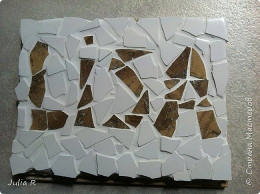 Мозаика из отделочной плитки. Выложено имя ЛИЗА . фото 2