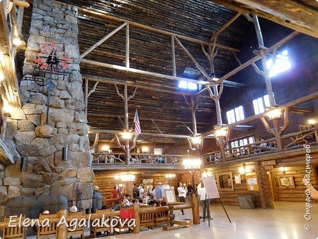 Хочу поделится впечатлениями от поездки в Йе́ллоустон (Yellowstone National Park)— международный биосферный заповедник, объект Всемирного Наследия ЮНЕСКО, первый в мире национальный парк (основан 1 марта 1872 года).  Находится в США, на территории штатов Вайоминг, Монтана и Айдахо.  Парк знаменит многочисленными гейзерами и другими геотермическими объектами, богатой живой природой, живописными ландшафтами.  ( взято из Википедии ) Мы останавливались в кемпингах в палатках. Парк произвел на нас огромное впечатление. Очень хочется поделится с вами красотой которую я увидела.  фото 35