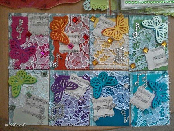 Доброе время суток...жители Страны...впервые делала карточки АТС...поэтому не судите строго... Карточки делала для игры-обмена....надо было одну карточку определенного цвета...но....гулять так гулять...цвет мне достался мятный....)))))))))) его нет  в нормальной радуге...но у меня появился... Итак...каждый ( красный ) охотник ( оранжевый ) желает ( желтый ) знать ( зеленый )... где ( голубой ) сидит ( синий ) фазан ( фиолетовый ) и мятный ( бонусный ).....))))))))))))))))))))))) фото 1