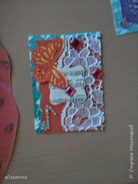 Доброе время суток...жители Страны...впервые делала карточки АТС...поэтому не судите строго... Карточки делала для игры-обмена....надо было одну карточку определенного цвета...но....гулять так гулять...цвет мне достался мятный....)))))))))) его нет  в нормальной радуге...но у меня появился... Итак...каждый ( красный ) охотник ( оранжевый ) желает ( желтый ) знать ( зеленый )... где ( голубой ) сидит ( синий ) фазан ( фиолетовый ) и мятный ( бонусный ).....))))))))))))))))))))))) фото 3