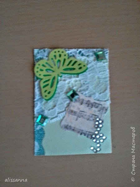 Доброе время суток...жители Страны...впервые делала карточки АТС...поэтому не судите строго... Карточки делала для игры-обмена....надо было одну карточку определенного цвета...но....гулять так гулять...цвет мне достался мятный....)))))))))) его нет  в нормальной радуге...но у меня появился... Итак...каждый ( красный ) охотник ( оранжевый ) желает ( желтый ) знать ( зеленый )... где ( голубой ) сидит ( синий ) фазан ( фиолетовый ) и мятный ( бонусный ).....))))))))))))))))))))))) фото 9