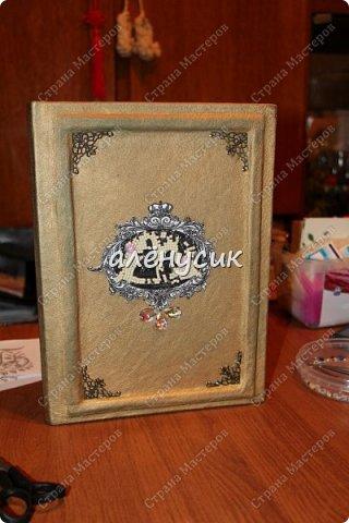 Декоративная книга всегда приятно иметь свою собственную))да ещё  и выполненную вручную))  фото 7