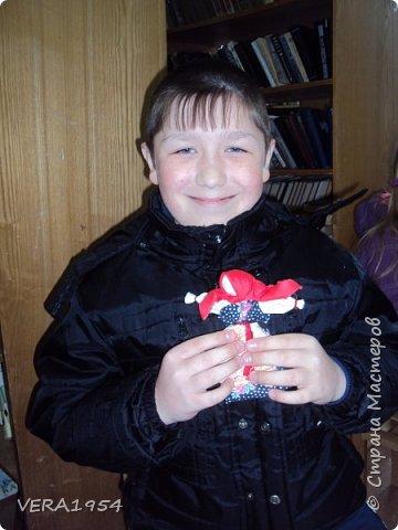 """Добрый вечер, друзья!   Закончив весной курсы """"Кукольный хоровод"""" замечательного педагога Елены Крошко, на каникулах увлеклись с детьми народными куколками.Решили, что и у детей, со временем, будет хорощая коллекция народных кукол.  Куколка Краса.  фото 10"""