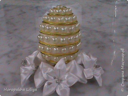 Декоративное пасхальное яйцо с полубусинами