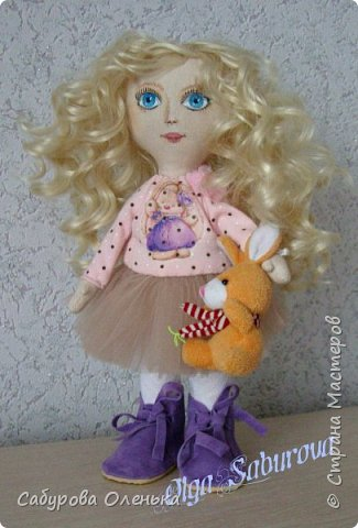 Куколка-блондинка