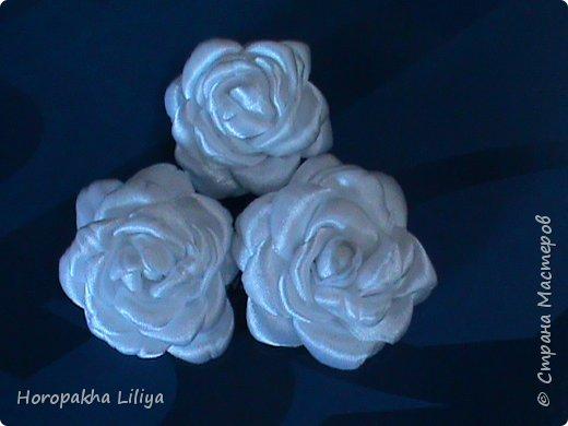 Белые розы канзаши для свадебного букета