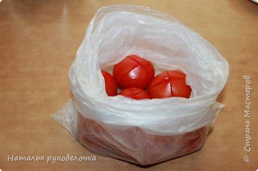 Добрый день, Страна Мастеров! На грядках поспели помидоры и пора уже их готовить.  Сегодня я решила сделать малосольные помидоры в пакете за одни сутки. Рецепт внизу. Завтра добавлю фото готовых помидоров на тарелочке, а пока только то что есть - в пакете. фото 11