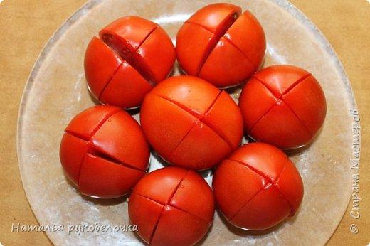 Добрый день, Страна Мастеров! На грядках поспели помидоры и пора уже их готовить.  Сегодня я решила сделать малосольные помидоры в пакете за одни сутки. Рецепт внизу. фото 4