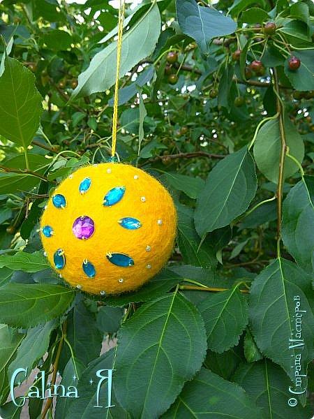 Просто сваляла шарик экспериментальный , потом пришла идея его малость приукрасить , в итоге получилось такое солнечное чудо . фото 3