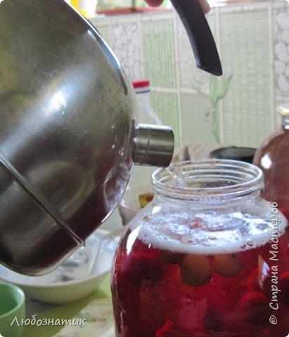 Здравствуйте мои дорогие! Всех очень рада видеть на своей страничке!!!  Сегодня хочу вам рассказать, как я варю компот (заготовка на зиму) из ягод черешни. Пользуюсь этим рецептом давно и варила из разных ягод, результатом довольна :-) Компот получается не очень сладким и вкусным. Легко пьется и не требуется дополнительное разведение водой. фото 11