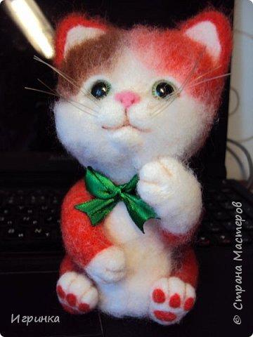 """Доброго дня всем! """"А у нас сегодня кошка родила вчера котят, котята выросли немножко, но есть из блюдца не хотят..."""" Ну конечно же, они ведь игрушки валяные! фото 2"""