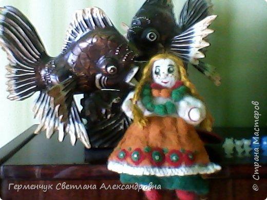"""Кукла Аленушка -работа моей племянницы  Алены Мазок  ученицы 7 класса   .Занимается  она в художественной школе  г, Минска  в 3 """" А"""" классе.   Работы Алены   занимают призовые места в различных выставках и конкурсах , так как   отличаются    хорошим художественным вкусом ,оригинальностью !!!!  Огромное спасибо за прелестную куколку !!! Удачи ,Аленка,   во всем!!!  фото 1"""