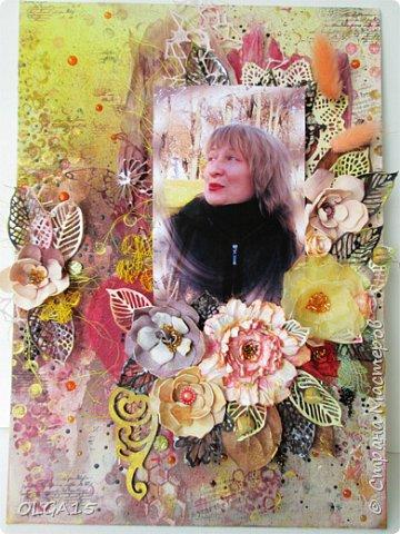 Добрый день! На день рождения подруги сделала холст в стиле микс медиа. Использовала краски, спреи, вырубку, цветы из бумаги, ткани, фоамирана. А так же засушенные листья и сухие бутоны розочек. фото 1