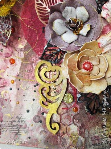 Добрый день! На день рождения подруги сделала холст в стиле микс медиа. Использовала краски, спреи, вырубку, цветы из бумаги, ткани, фоамирана. А так же засушенные листья и сухие бутоны розочек. фото 4
