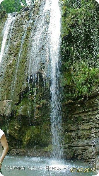 После поездки в Краснодарский край написала такой водопад. Холст на картоне, масло. фото 4