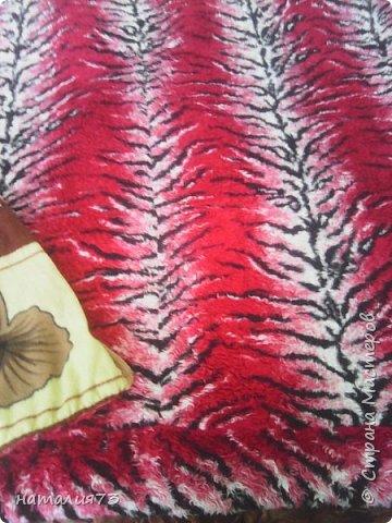 утилитарное рукоделие-сын принёс старые чехлы с авто-получилось одеяло мужу в рейсы ходит уже года-3 фото 4